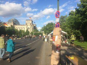 Die Wilsnack Thesentür vor dem Reichstag
