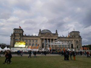 Bühne vor Reichstag